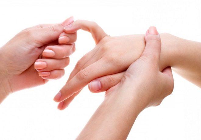 vaikeste jala liigeste artriit haiget paremale liigese loualuu